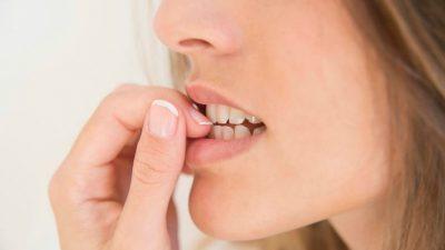 Psicóloga para problemas en adolescentes - morderse las uñas
