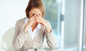 terapia para trastornos de ansiedad en Valencia - mujer estresada