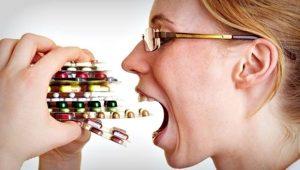 hipocondría en Valencia - mujer con pastillas