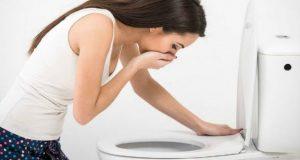 psicólogo para la bulimia en Valencia - chica vomitando