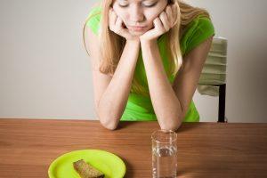 psicólogo para trastornos alimentarios en Valencia - restricción de comida