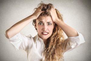 psicólogo para problemas de ansiedad en Valencia - chica nerviosa