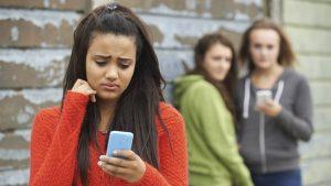 psicologa para problemas escolares en Valencia - acoso en adolescentes