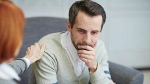 Psicóloga para trastornos depresivos en Valencia - hombre deprimido