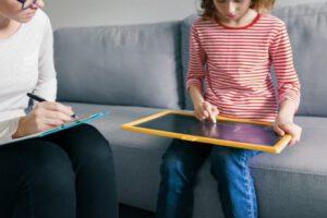 clinica de psicologia infantil en valencia - pizarra