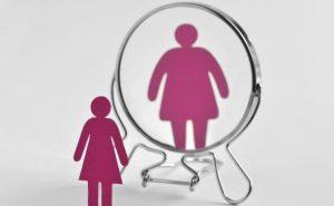 psicólogo para trastornos alimentarios en Valencia - mujer rosa